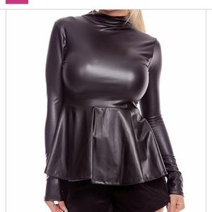 🔥NWOT-Faux Leather Zip-up Peplum Waist Top